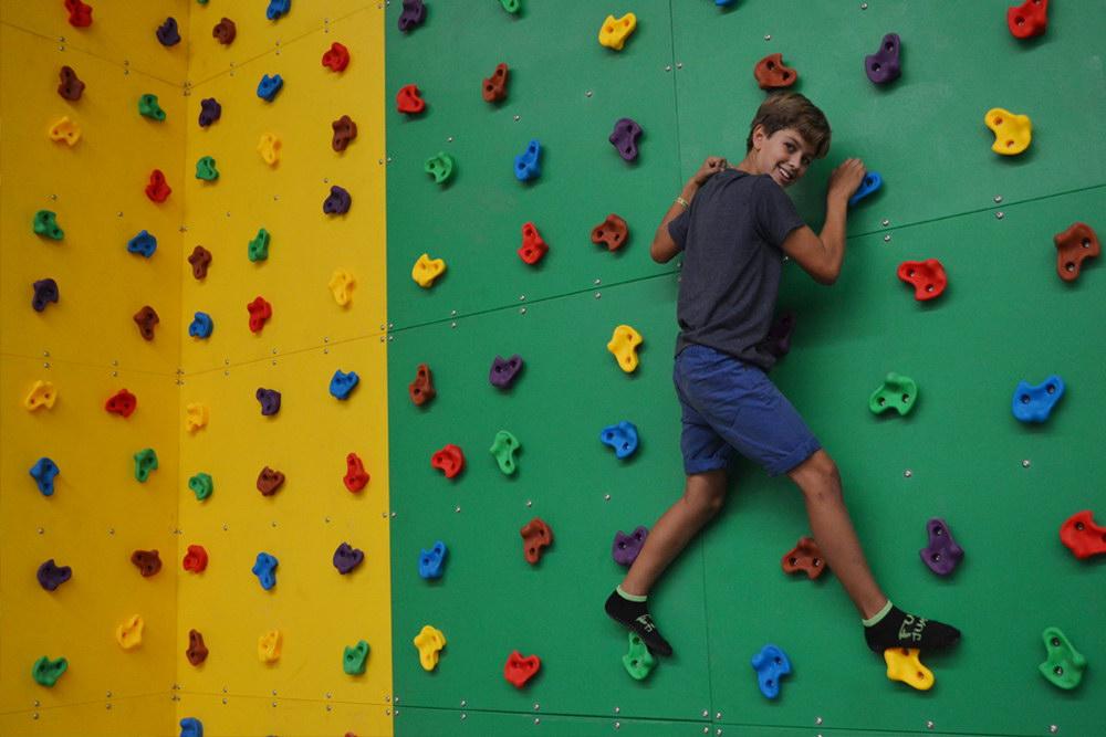 Rocódromo Fun Jump Trampoline park